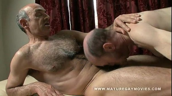 Hairy Mature Gets A Massage And Fucks The Masseur -8275